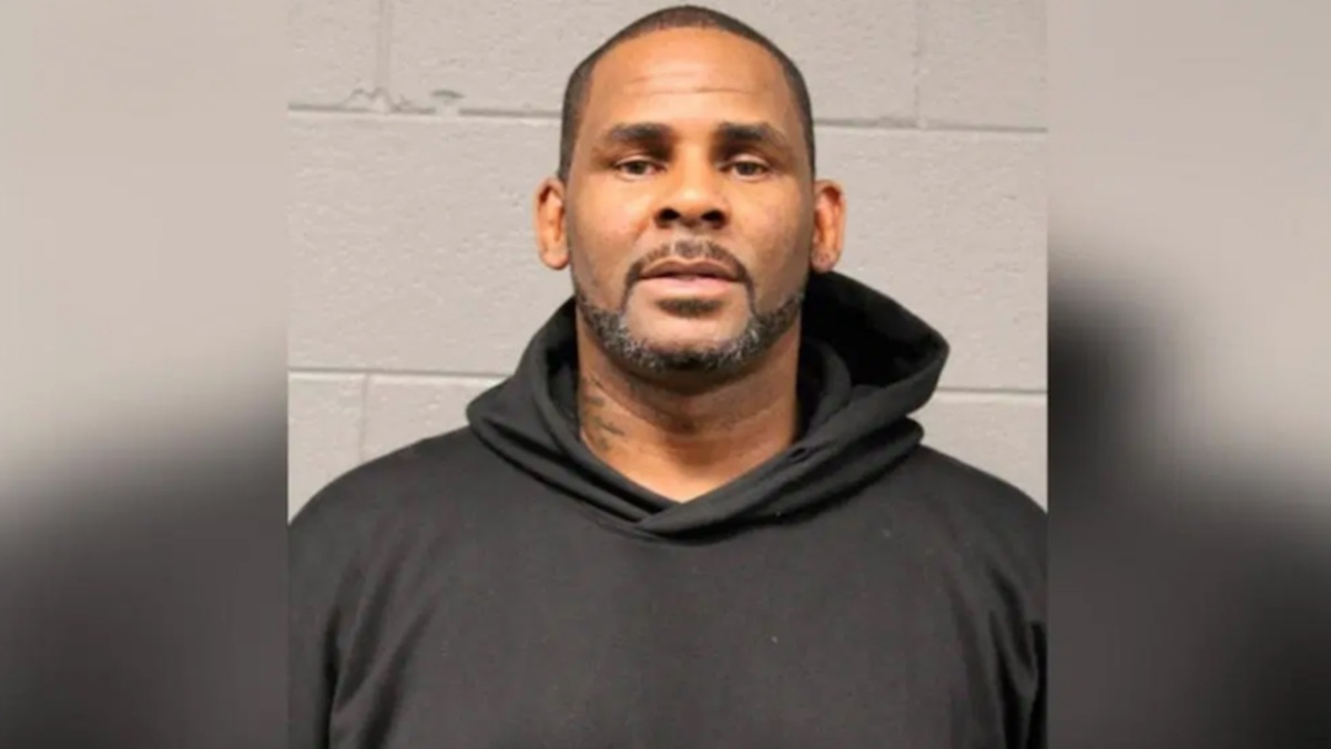 Federal prosecutors worry R Kelly's jury could be subject to blackmail, threats