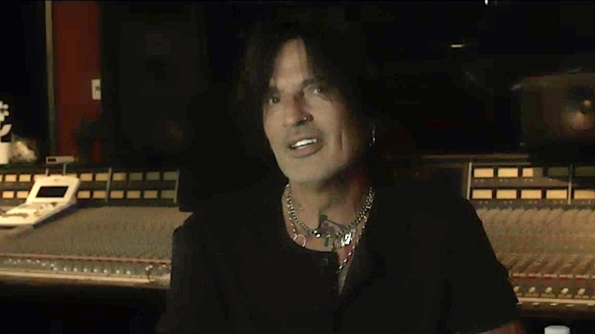 Tommy Lee on Mötley Crüe's return, The Dirt movie, and John Bonham's influence
