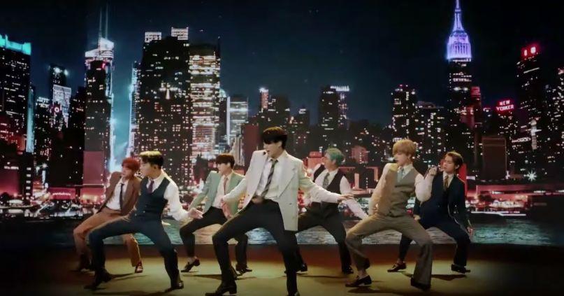 BTS performs at VMAs