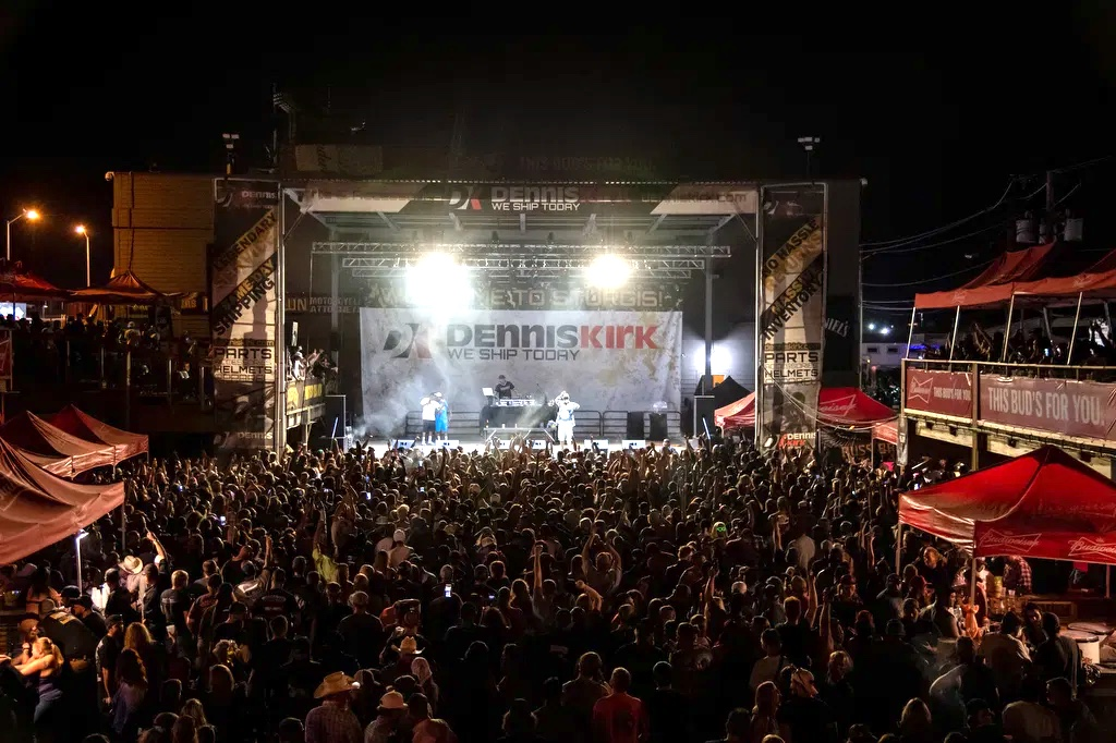 Bone Thugs crowd Sturgis