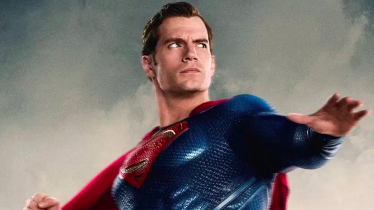 """Henry Cavill would """"love to play James Bond"""""""