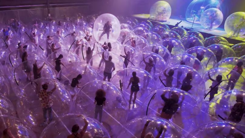 the flaming lips assassins of youth space bubble concert music video