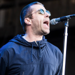 video-liam-gallagher-hello-performance-bbc-2