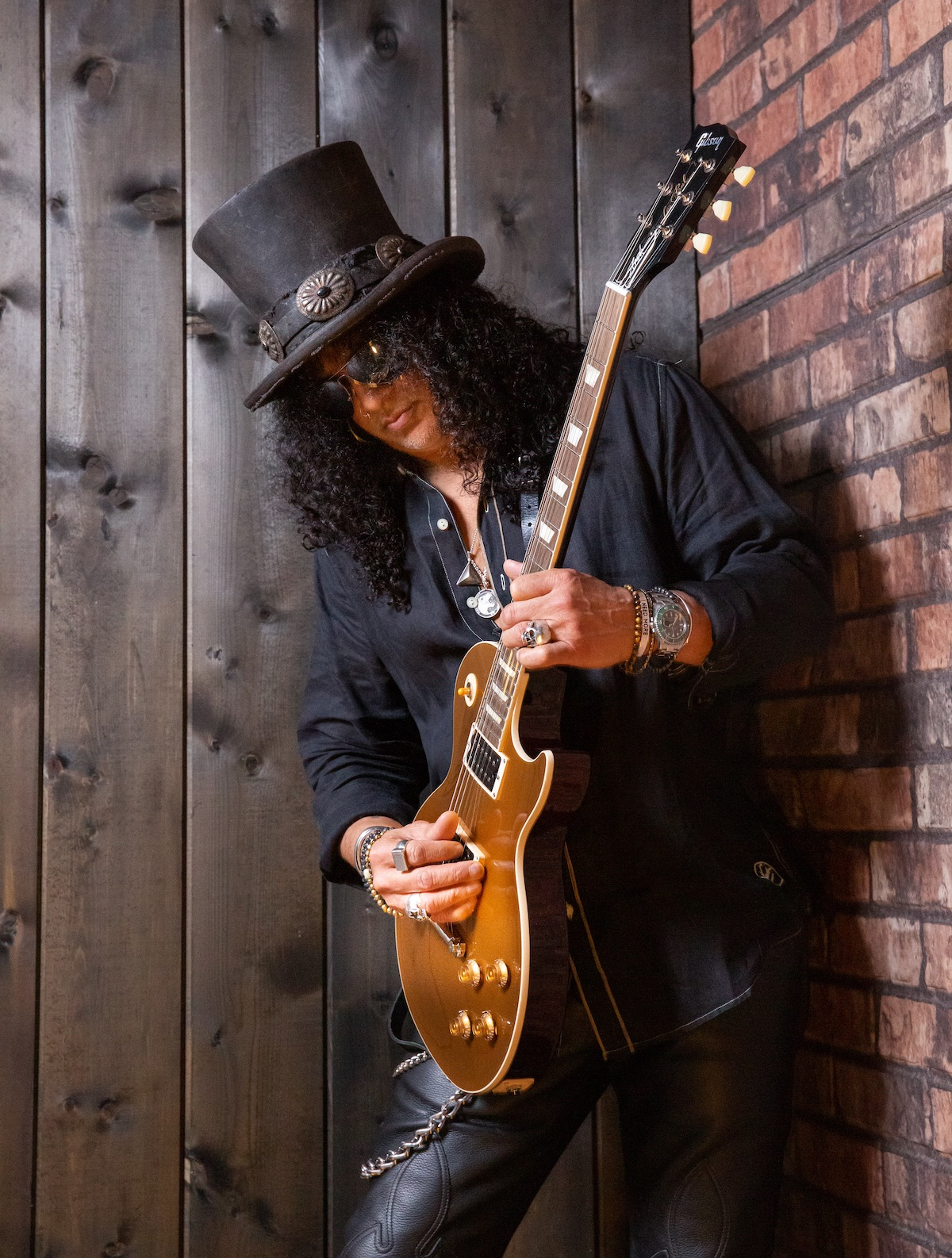 "Slash with ""Victoria"" Les Paul Goldtop"
