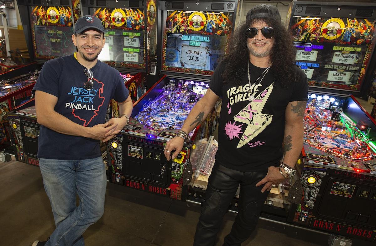 Slash with Eric at Pinball Factory Slash: New Guns N Roses Pinball Machines Are Way Beyond My Expectations