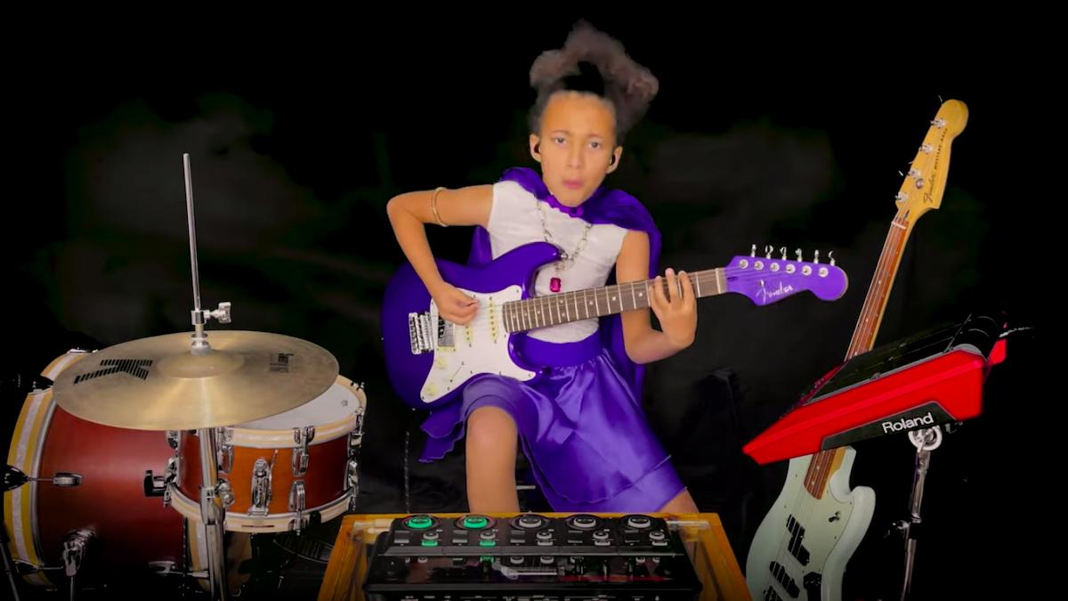 10-летняя Нанди Бушелл исполняет кавер на песню Led Zeppelin «The Immigrant Song»
