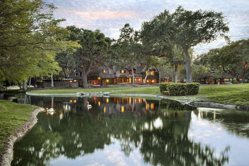 Michael Jacksons Neverland Ranch Sells for $22 Million