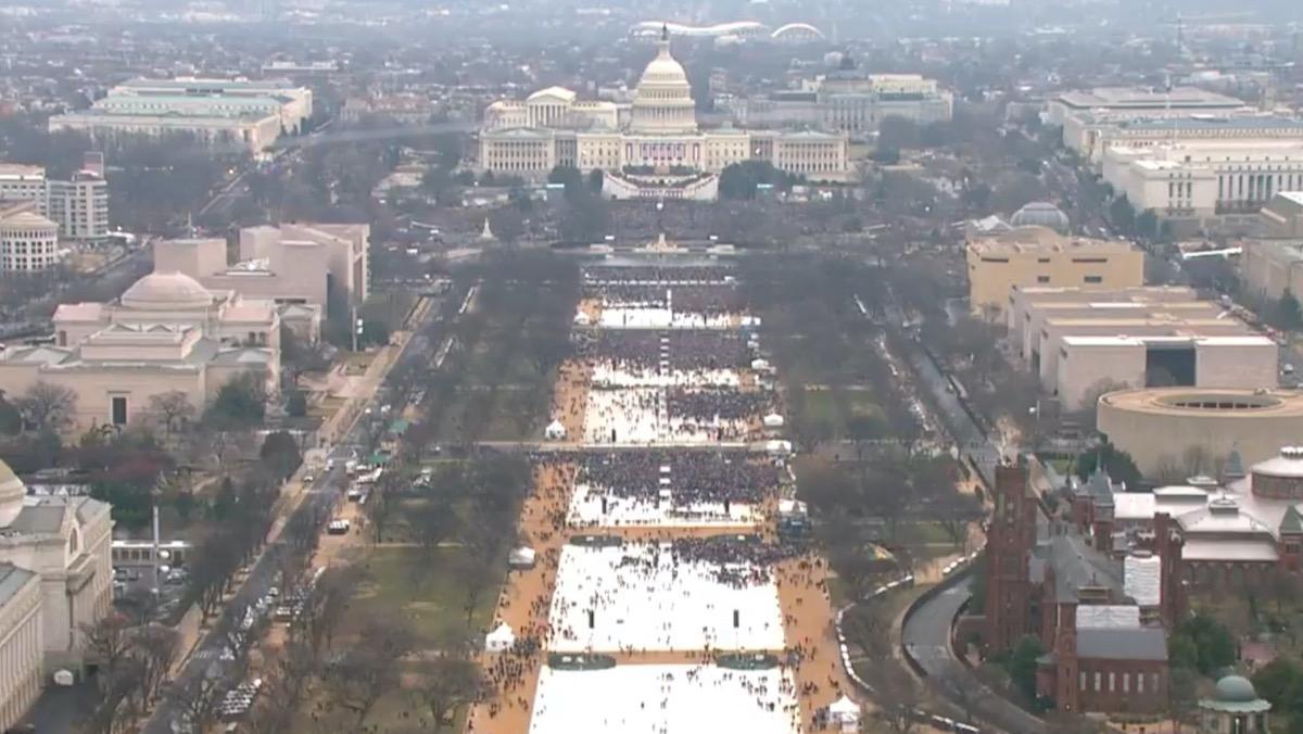 Инаугурацию Джо Байдена смотрело больше зрителей, чем инаугурацию Дональда Трампа