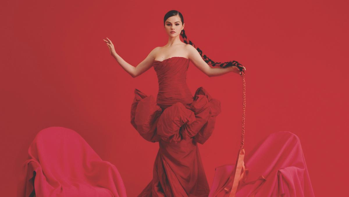 Селена Гомес анонсирует первый испаноязычный EP Revelación