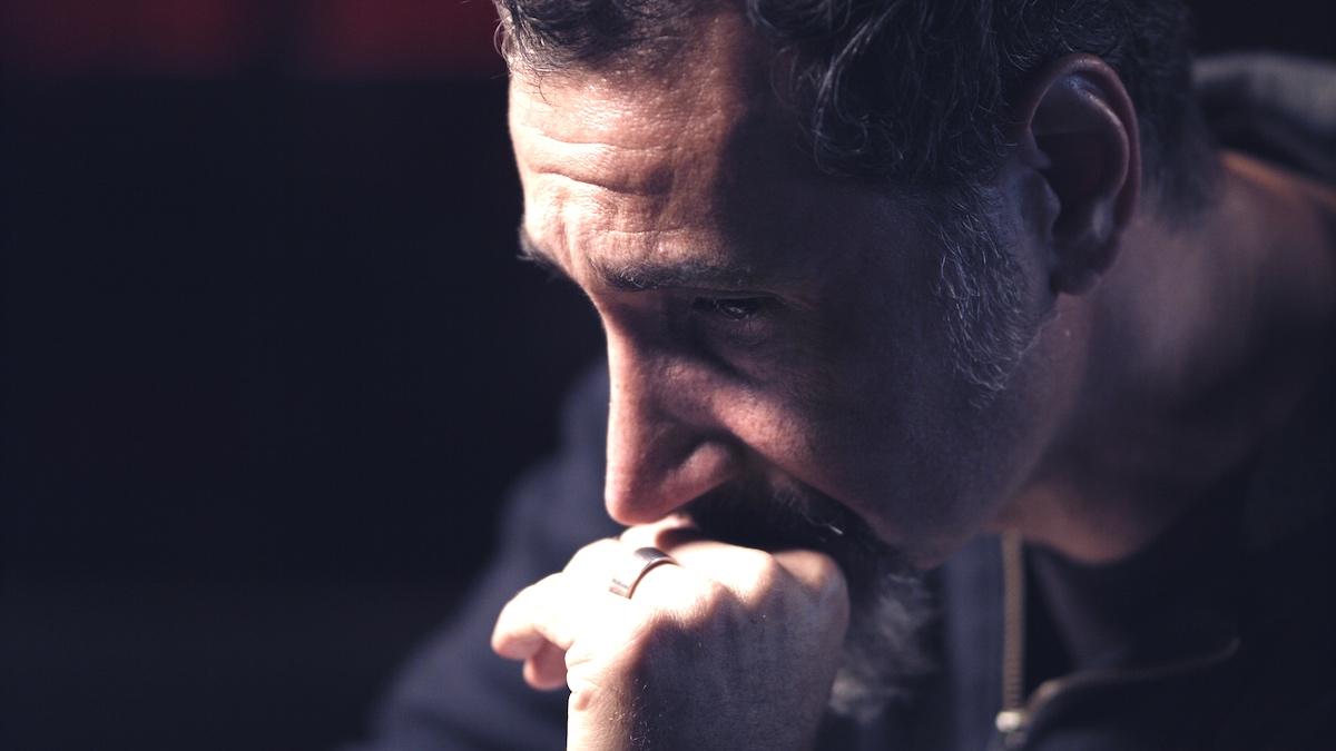 Серж Танкян о своем фильме «Правда о силе», хаосе вокруг токсичности и времени, которого он опасался за свою жизнь
