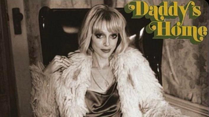 "St. Vincent details ""sleazy, grimy"" new album Daddy's Home"