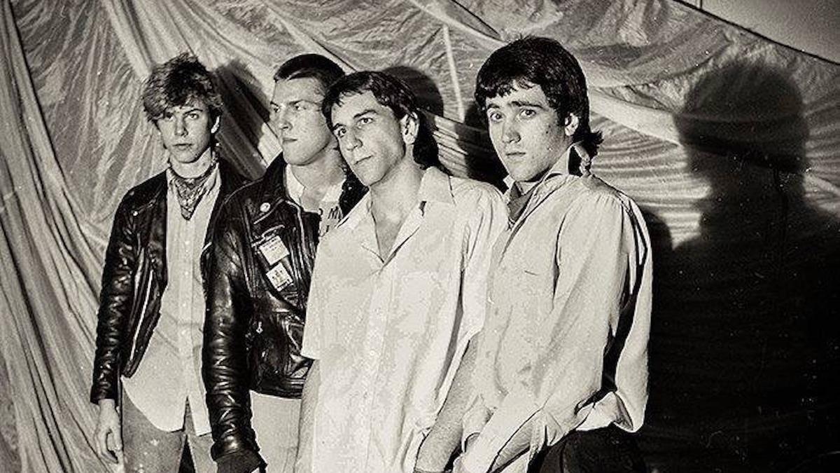 Панк-группа Даффа Маккагана The Living unearth 1982 года перед Guns N 'Roses для первого релиза