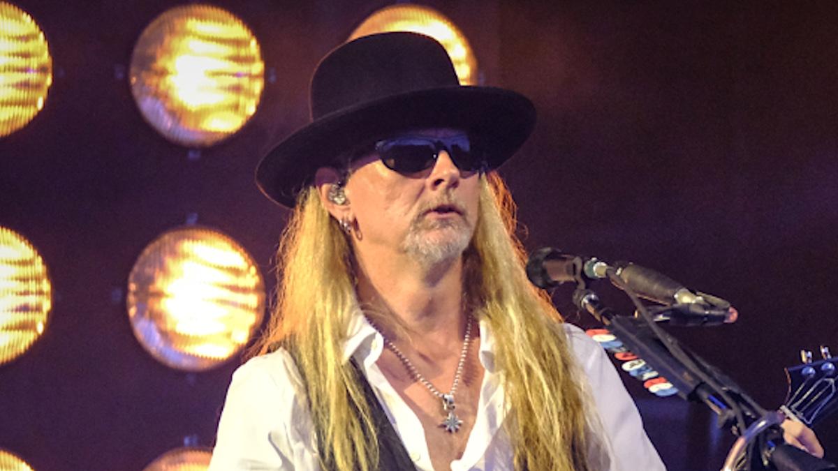 Джерри Кантрелл из Alice in Chains завершил работу над новым сольным альбомом