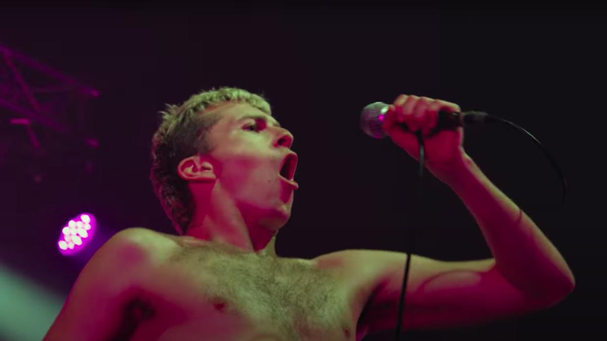 Позор выпускает новый концертный фильм Live in the Flesh: Watch